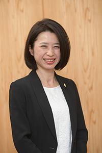 弁護士新海久美子